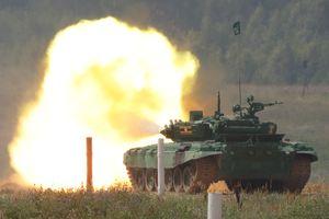 Xe tăng T-72 phô diễn hỏa lực tại Army 2018