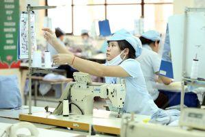 Nhà nước không can thiệp trực tiếp vào tiền lương doanh nghiệp: Không dễ nhưng phải làm