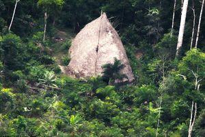 Những hình ảnh độc về bộ lạc biệt lập trong rừng rậm Amazon