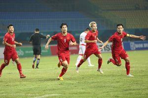 Highlights trận Việt Nam-Bahrain: Công Phượng ghi bàn thắng vàng giúp U23 Việt Nam vào tứ kết
