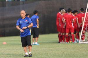 Olympic Việt Nam đấu Bahrain: Thầy Hàn đừng nghe chuyên gia nội!