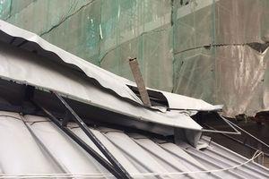 Thi công khách sạn, sắt rớt thủng mái nhà hàng