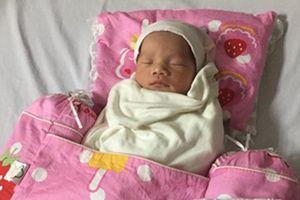 Mẹ tai nạn hôn mê hơn 3 tháng, bé gái Hà Nội vẫn chào đời khỏe mạnh