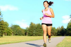 Nên ăn và không ăn gì trước khi chạy để đảm bảo sức khỏe?