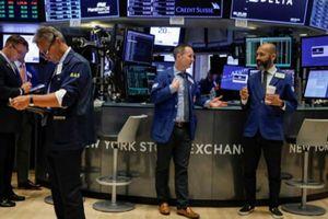 S&P 500 chững lại dù cổ phiếu năng lượng tăng mạnh