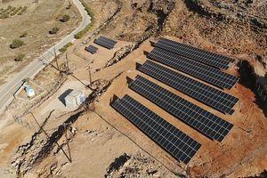 Hòn đảo đầu tiên ở Địa Trung Hải chỉ sử dụng điện sức gió và điện mặt trời