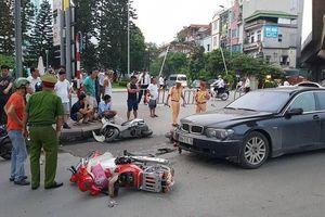 Nữ tài xế BMW gây tai nạn liên hoàn: Do vướng quai giày cao gót