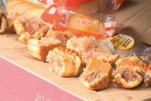 Ăn bánh trung thu có chất tạo màu hủy hoại sức khỏe như thế nào?