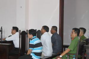 Chủ tọa phiên tòa ra lệnh bắt giam nguyên chủ tịch HĐQT Quỹ TDND Hậu Giang