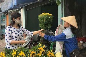 Giá hoa tươi tăng mạnh dịp Lễ Vu Lan