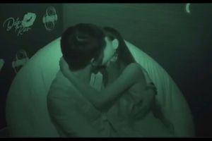 Sốc với cảnh hôn nhau như phim cấp 3 trong show hẹn hò Date & Kiss