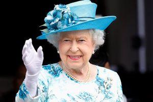 Nữ hoàng Anh gửi thư động viên nông dân Úc vượt qua hạn hán