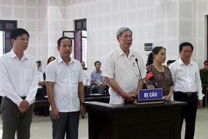5 bị cáo trong kỳ án buôn lậu gỗ trắc lĩnh án
