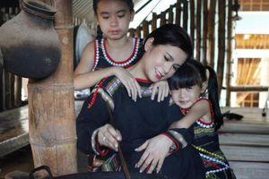 Đặng Lê Nguyên Vũ đã đối xử với vợ con như thế nào kể từ sau 49 ngày thiền định nhịn ăn?