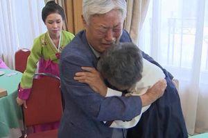 Đoàn tụ Hàn-Triều: Anh em gặp lại sau 68 năm, sợ là lần cuối trong đời