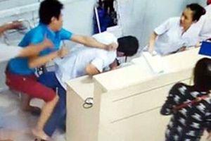 Chồng sản phụ gọi 15 người đến hành hung bác sĩ bị phạt 9 tháng tù