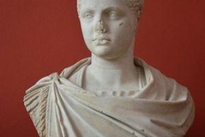 Đời sống tình dục trụy lạc của ông hoàng La Mã cổ đại
