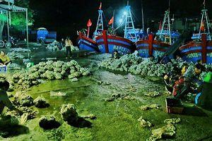 Những khu chợ xuyên đêm độc đáo ở Việt Nam