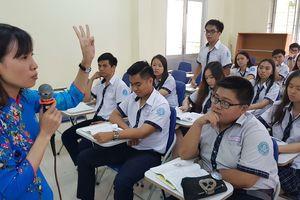Sửa luật để lương nhà giáo cao nhất