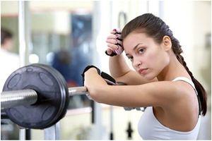 Khi tập gym phải chăm sóc da như thế nào để tránh mụn, đẹp da