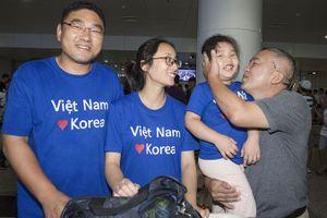 35 gia đình Việt - Hàn về thăm quê ngoại