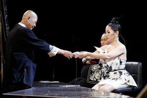 Thúy Nga xúc động với tiết mục của thí sinh Ngọc Ước trong Kỳ Tài Lộ Diện