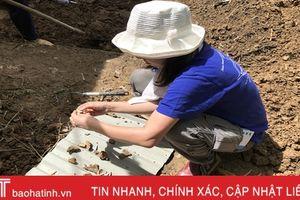 Các nhà khảo cổ Nhật Bản khảo sát vườn cũ của Văn Lý hầu Trần Tịnh ở Hà Tĩnh