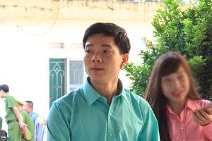 Thay đổi tội danh bác sĩ Hoàng Công Lương thành 'vô ý làm chết người'