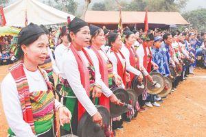 Giữ gìn, phát huy giá trị văn hóa đồng bào dân tộc thiểu số qua trang phục truyền thống