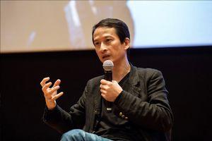 Đạo diễn Trần Anh Hùng: Chỉ cần một người yêu, là không cô đơn