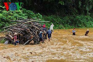 Yên Bái: Lũ quét bất ngờ, 2 người chết và mất tích