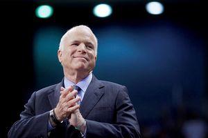 Thượng nghị sĩ Mỹ John McCain qua đời vì ung thư não
