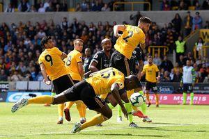 Man City hòa thất vọng, Arsenal thắng trận đầu tiên