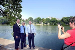 Đại sứ quán Hoa Kỳ mở sổ tang chia buồn Nghị sĩ McCain