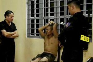 Thanh niên ngáo đá hùng hổ cướp taxi trong đêm