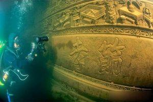 Bí ẩn 'thành phố' cổ xưa dưới đáy hồ không ai biết trong hàng ngàn năm