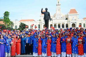 TPHCM cưới tập thể cho 100 đôi thanh niên công nhân dịp lễ 2/9