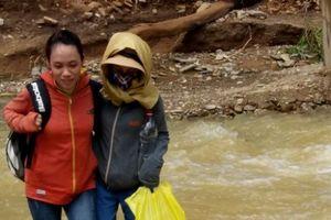 Hành trình vượt núi băng rừng, vào bản gieo con chữ sau lũ của nữ giáo viên
