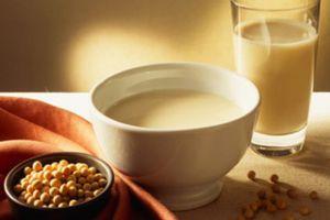 Sữa đậu nành giúp nâng cao sức khỏe xương của phụ nữ