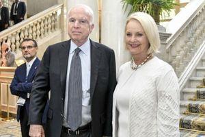Lời tâm sự lay động lòng người của phu nhân Thượng nghị sĩ Hoa Kỳ John McCain