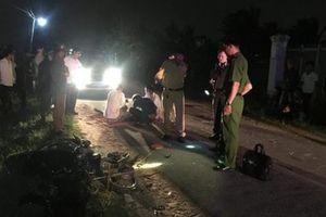 Hai xe máy tông nhau, 2 thanh niên tử vong trong đêm