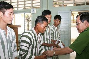 Trại tạm giam Công an tỉnh An Giang công bố quyết định tha tù trước thời hạn có điều kiện