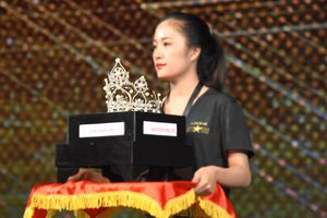 Cận cảnh vương miện 1,8 tỷ đồng cho đại diện Việt Nam tại Miss Earth