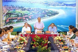 Thủ tướng Nguyễn Xuân Phúc làm việc với lãnh đạo tỉnh Quảng Bình