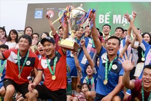 Cựu danh thủ Hồng Sơn vô địch hạng Nhất và lên hạng cùng Tuấn Sơn