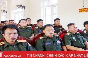 Hà Tĩnh hướng dẫn cán bộ Lào nhận diện diễn biến hòa bình, vũ khí hiện đại