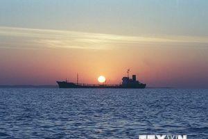 Iran tuyên bố đã kiểm soát hoàn toàn vùng Vịnh và Eo biển Hormuz