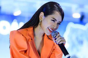 Soi ngay clip live mới nhất từ Chi Pu: Cô ấy hát ngày càng ổn!
