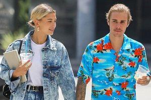 Đã chịu buộc tóc gọn gàng nhưng thói quen cũ vẫn khiến Justin Bieber bị chê cười vì 'trước sau bất nhất'