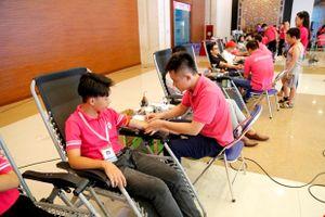 Thu được gần 1.200 đơn vị máu tại ngày hội hiến máu 'Youth Day 2018'